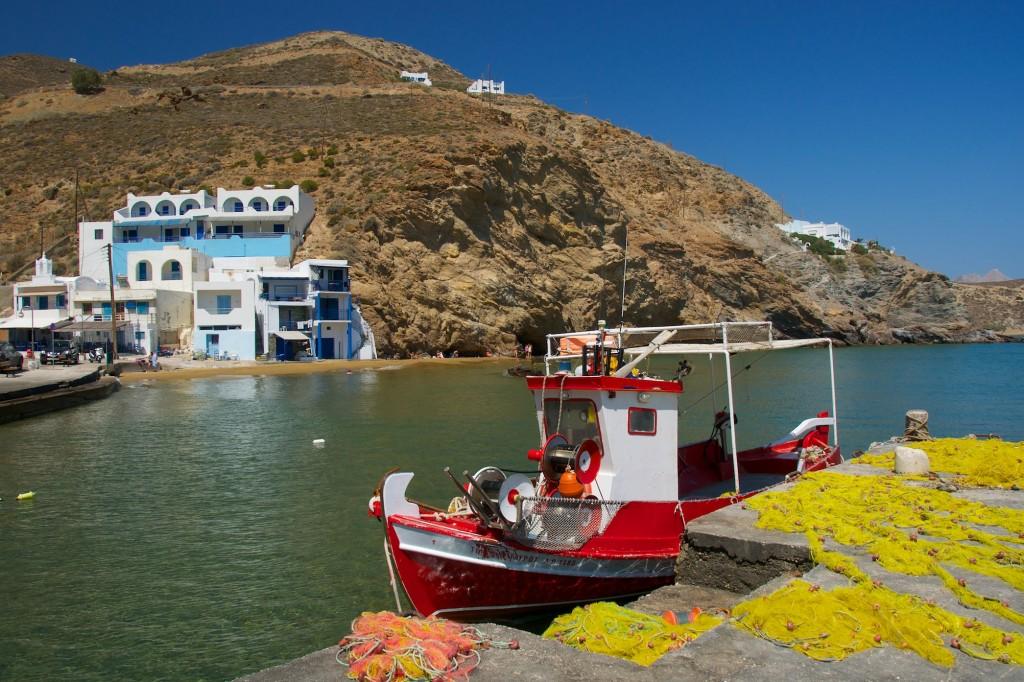 Port d'Anafi dans la baie d'Agios Nikolaos